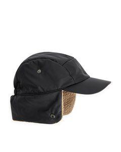Kappe mit Ohrenklappen Schwarz/Beige