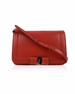 Salvatore Ferragamo Red Leather Vara Rw Bow Flap Mint Shoulder Bag