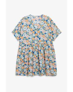 Oversize-Kleid mit Knöpfen Auffälliges Blumenmuster